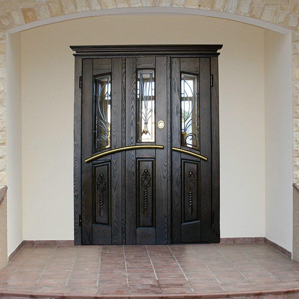 металлические двери для загородного дома со стеклом клин